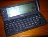 Nokia 9110 Comunicator abierto, con teclado QWERTY completo