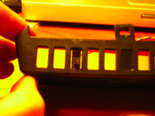 Vista inferior de la rendija de ventilacion con el interruptor